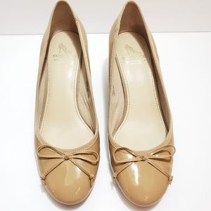 SALE❣Donating Saks Fifth Avenue Neutral wedge 7.5